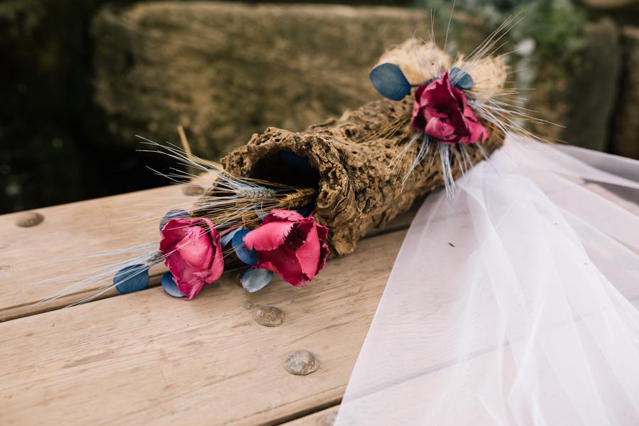Boda diferente y original fotógrafo de Málaga boda Villanueva del Trabuco con decoración de boda