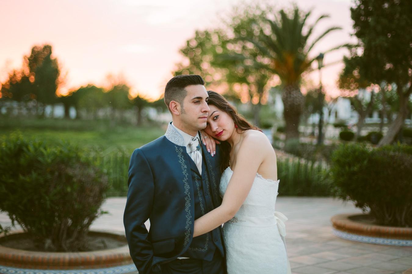 fotografo de boda elrocio archidona malaga postboda granada traje de novio