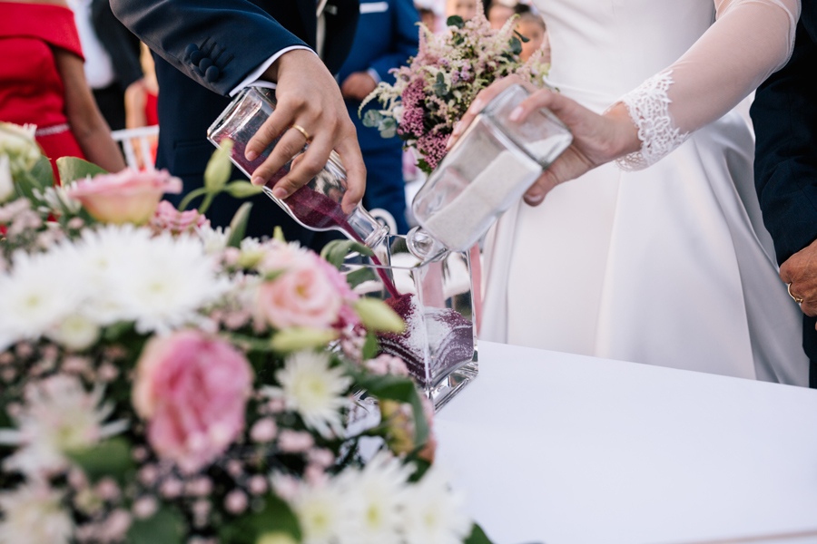 Ritual de la arena, tipos de ceremonias civiles, fotógrafo de boda en Córdoba Jardines Palacio de la Dehesa