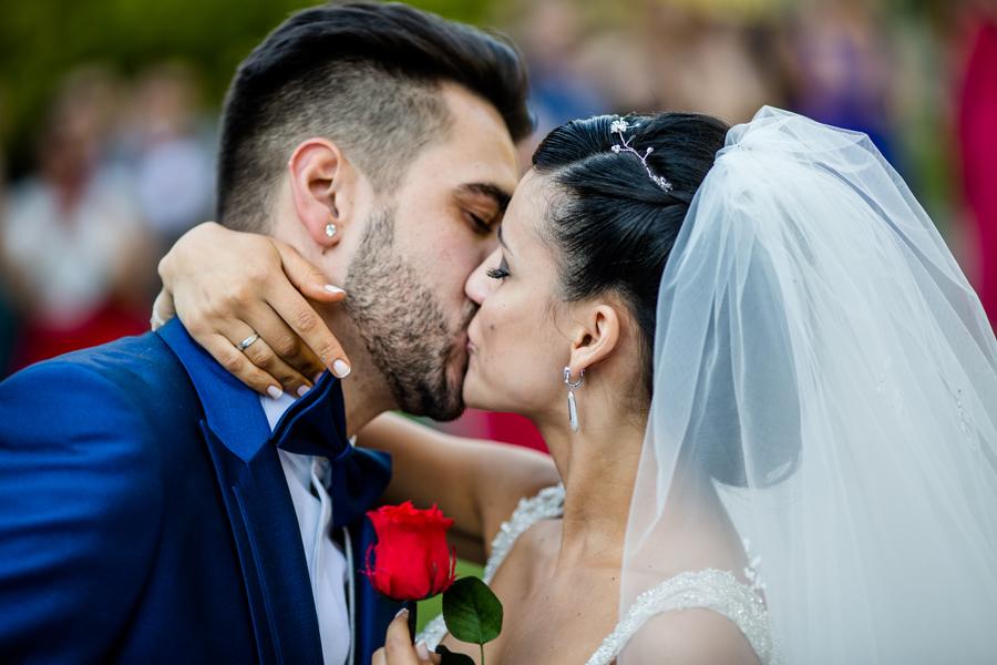 Ritual de la rosa, tipos de ceremonias civiles fotógrafo de boda en Madrid boda en un bosque